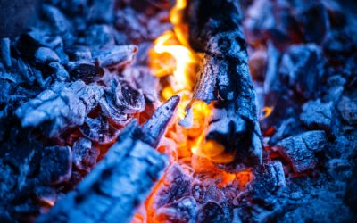 Zwei Kohlenfeuer